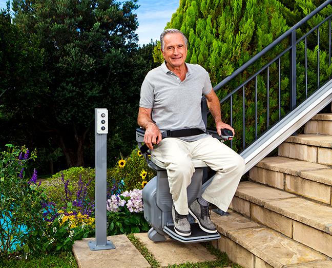 Elevador de escadas resistente para exterior Stannah